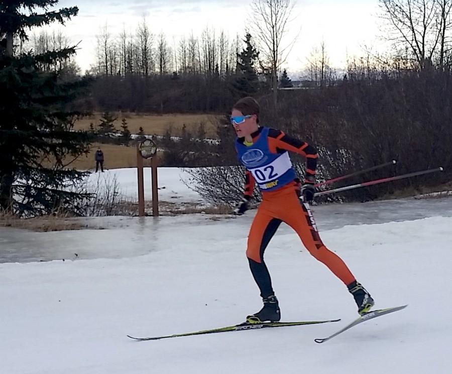 Luke+Jager+on+the+home+stretch+leading+the+West+boys+relay+team+to+victory+during+the+2016+Ski+Championship+at+Kincaid.+